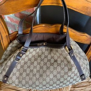 Authentic Gucci handbag brown logo GG